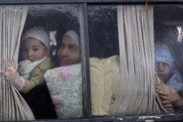 Utečenci hľadajú rôzne spôsoby ako sa dostať tam, kam majú namierené.