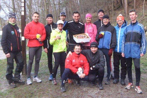 Ladislav Sventek oslávil narodeniny aj na Šeríkovom okruhu v kruhu svojich kamarátov - bežcov.