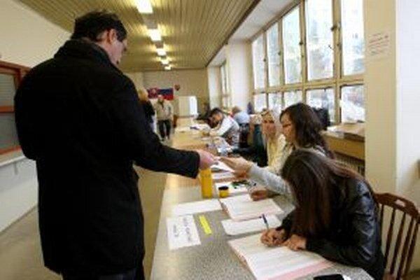 V sobotu 7. marca sa uskutočnia na Slovensku doplňujúce voľby.