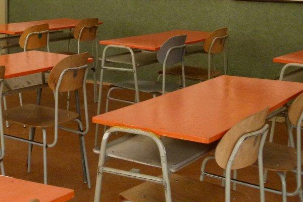 Stredné školy majú zatiaľ neobsadené stoličky.