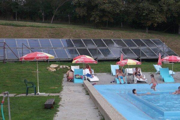 Na kúpalisku pribudlo solárne vyhrievanie detského bazéna.