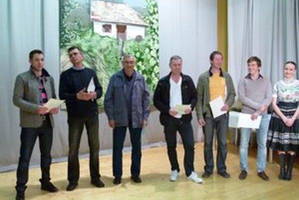 Vinári ocenení zlatou medailou.
