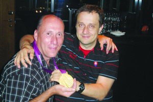 Ladislav Gáspár spolu s medailistom Riapošom.