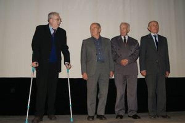 Ocenení autori literárnej súťaže Návraty (zľava) Eduard Samlek, Jaro Burjaniv, Pavol Kuka a Marek Hudec.