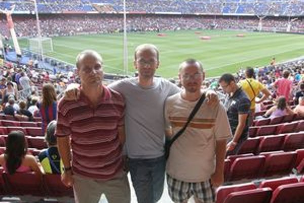 Tomáš Mintál, Peter Behula a Jaroslav Šedivý na štadióne FC Barcelona.