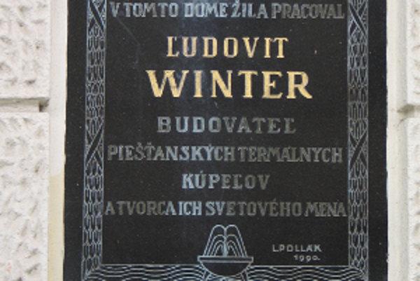 Pamätná tabuľa venovaná Ľudovítovi Winterovi.