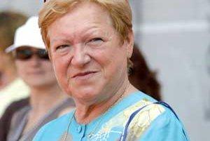 PhDr. Mária Mračnová (za slobodna Faithová) sa narodila 24. septembra 1946 v Košiciach. Patrila do slávnej garnitúry atlétok bratislvskej Slávie SVŠT spolu so šprintérkou Evou Gleskovou, diaľkarkou Evou Šuranovou a bežkyňou na 400 metrov Annou Chmelkovou.