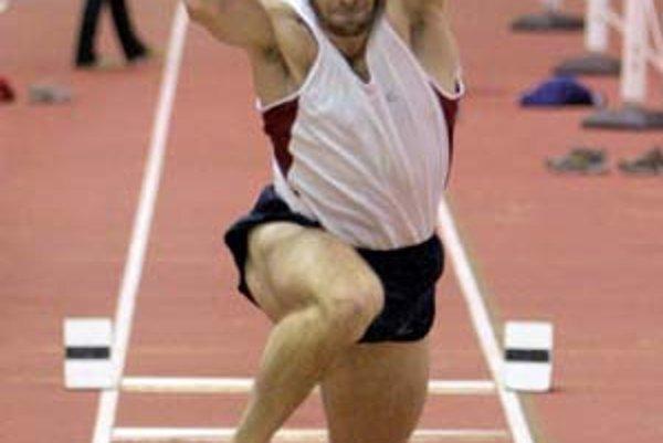 Trojskokan Dmitrij Vaľukevič má zo slovenských atlétov najväčšie šance zaútočiť na halových majstrovstvách sveta na medailové umiestnenie.