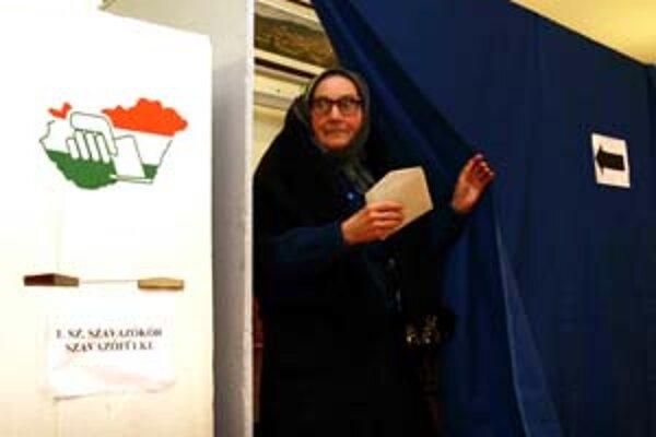 Aj v dedinke Mlynky, kde žije slovenská menšina, volili proti poplatkom.
