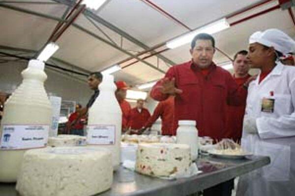 Hugo Chávez sa znárodnením vyhráža už aj majiteľom potravinárskych podnikov. Majú mať vinu na nedostatku niektorých potravín, najmä mliečnych výrobkov.