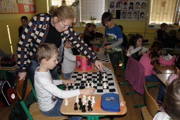 Šach fascinuje deti, pretože sú v tomto svete ducha brané vážne a pretože sú nezávisle na svojom veku hodnotené a porovnávané len podľa hry.