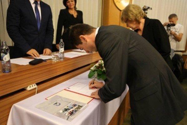 Juraj Říha nastupuje do funkcie primátora metropoly dolného Záhoria.