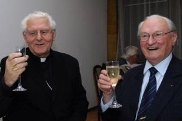 Arcibiskup Sokol a historik Milan Ďurica.