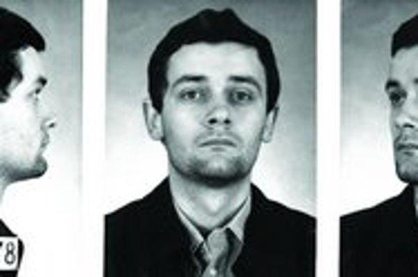 Ján Slota na policajnej fotografii, ktorá bola založená v spise Jozefa Rendeka.