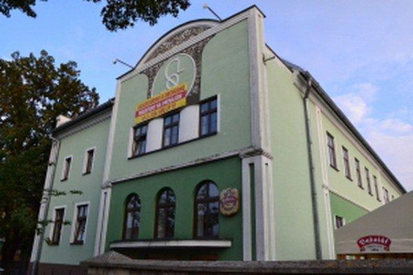 Bývalá mliekareň, neskôr Sokolovňa v Skalici.