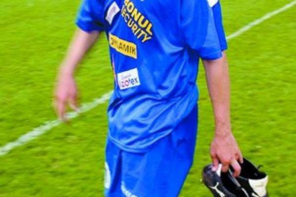 Igor Demo zobul kopačky, je riaditeľom.
