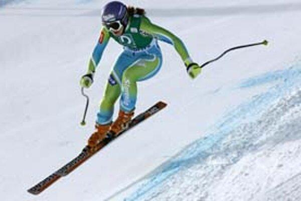 Slovinka Tina Mazeová si letí po nečakané prvenstvo v zjazde Svetového pohára v švajčiarskom zimnom stredisku St. Moritz.