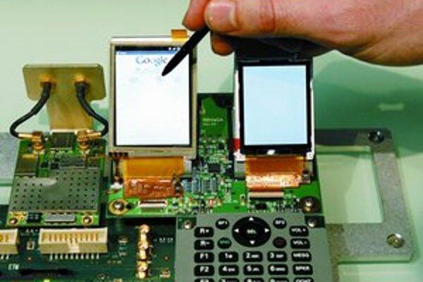 Prototyp mobilného telefónu Google s operačným systémom Android predstavili včera v Španielsku.