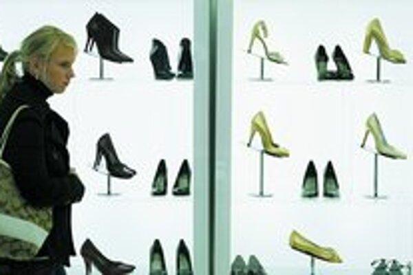 Dánska spoločnosť ECCO, ktorá vyrába v Martine obuv, sa rozhodla prepustiť približne 280 zamestnancov.
