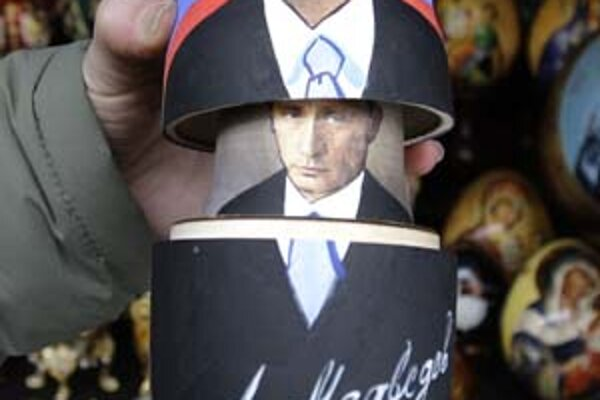 Aj keď bude Rusku po nedeľných voľbách šéfovať Dmitrij Medvedev, Putin zostane hlavným lídrom krajiny.