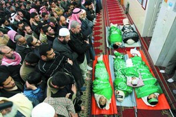 Pohľady na mŕtve deti ešte viac primkli Palestínčanov k hnutiu Hamas.