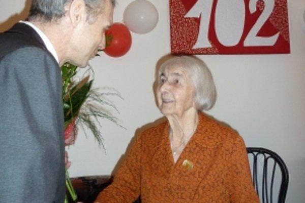 102-ročná oslávenkyňa Margita Sadloňová.