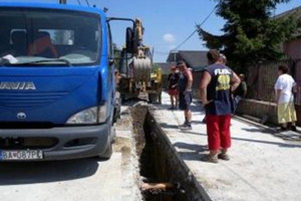 S výstavbou kanalizácie v Malackách by mali začať v máji.
