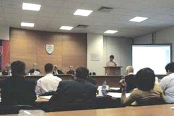 Mesto informovalo na zastupiteľstve o trestných oznámeniach.