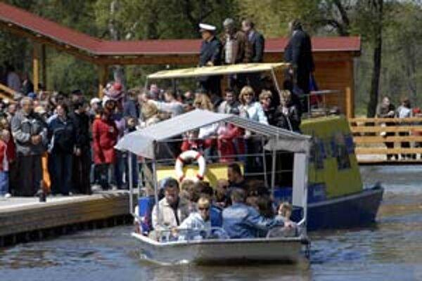 Na Baťovom kanále začala ďalšia plavebná sezóna.