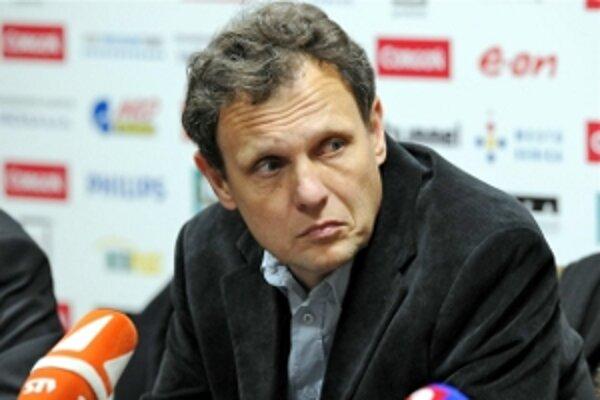 Až trojici hráčov tohoto trénera dal dôveru reprezentačný tréner Vladimír Weiss.