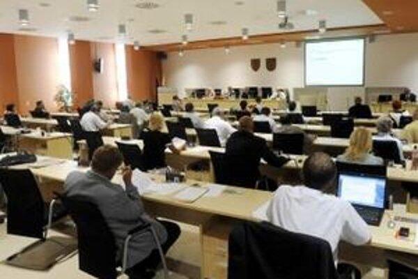 Poslanci rozhodovali aj o budove bývalého internátu v Holíči na Moyzesovej ulici.