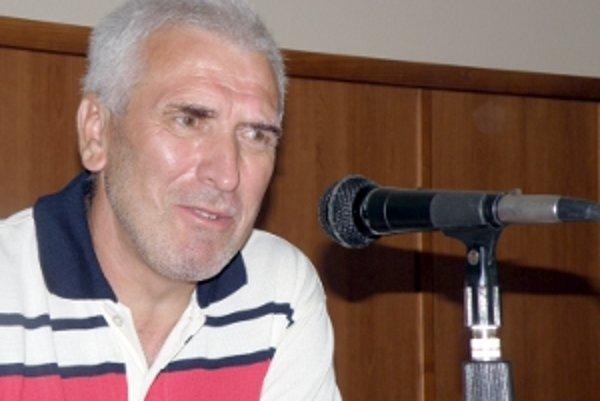 Aktív viedol člen VV ObFZ Senica Lukáš Juráň.