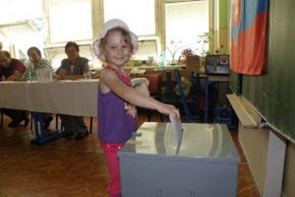 Voľby v troch obciach trvali dlhšie ako inde.