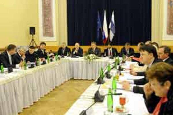 Výjazdové zasadnutie vlády v Kultúrnom dome v Holíči.