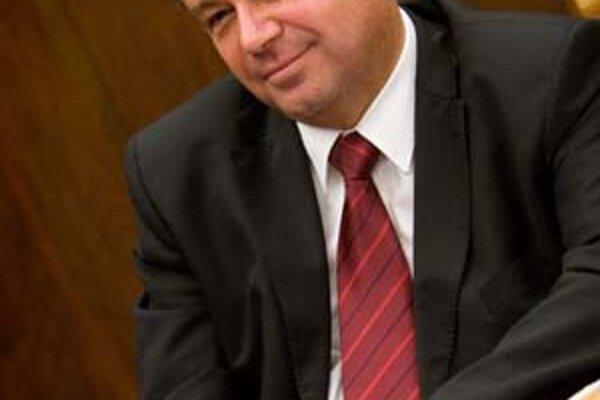 Mikolaj bol po schválení novely vysokoškolského zákona, ktorú mu poslanci dosť upravili, aj tak spokojný.