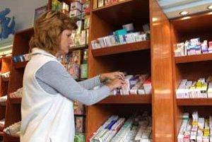 Občan má z ústavy nárok na bezplatnú starostlivosť. V aprílovej kategorizácii však chýbajú lieky, ktoré by mu to zabezpečili.