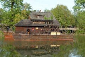 Kolárovský lodný mlyn.
