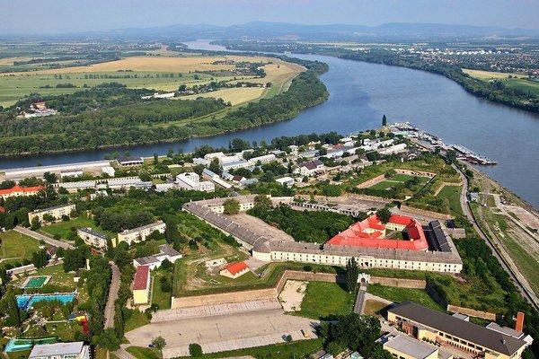 Komárňanská pevnosť.