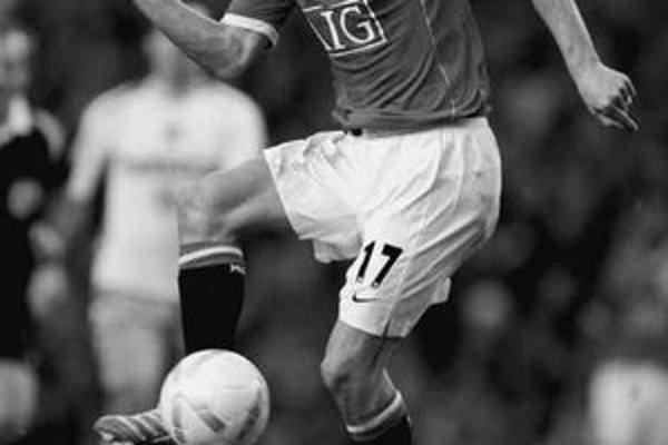 Švédsky kanonier Henrik Larsson dokázal, že ešte nie je pristarý ani na anglickú Premier League.FOTO – SITA/AP