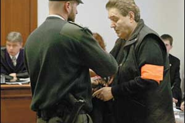 Jozef Majský prišiel po prvý raz na Špeciálny súd. Výpovede svedkov si už však nevypočul.