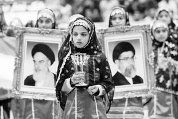 Iránsky ajatolláh má najväčší vplyv v krajine.