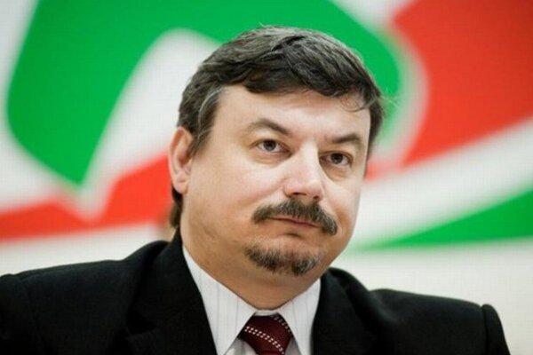 J. Berényi