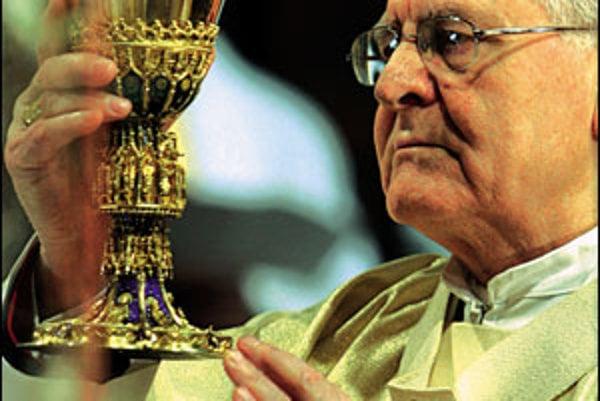 Arcibiskup Ján Sokol v roku 1987 a 1988 informoval ŠtB.