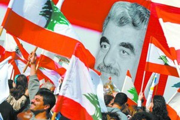 Na Haríriho včera spomínali v centre Bejrútu spomínali desaťtisíce ľudí.
