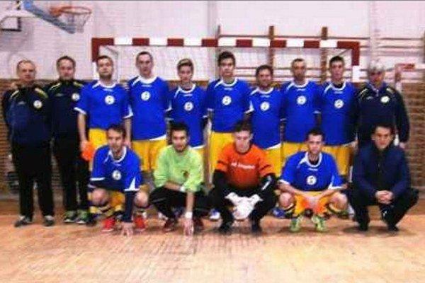 Mužstvo rozhodcov z ObFZ Nové Zámky, ktoré skončilo v skupine na 3. mieste a do bojov o medaily nezasiahlo.