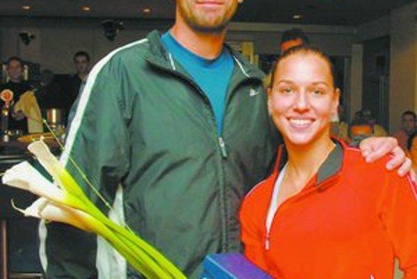 Peter Hrunčák a jeho zverenka Dominika Cibulková. Po víťazstve na turnaji Ritro Slovak Open v Bratislave sa vo svetovom rebríčku zlepšila o 71 miest, už je v druhej stovke.