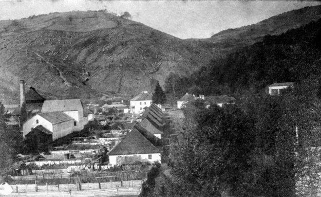 Najstaršia fotografia v knihe z roku 1880.