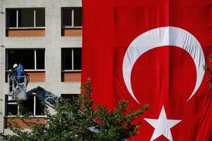 Istanbulom opäť otriasol útok.