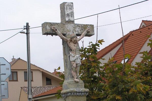 Kríž z Čermáňa už odviezli do ateliéru reštaurátora.