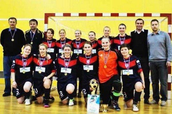 Obhajkyne prvenstva na tradičnom Christmas Cup - v Olomouci futbalistky FC Union Nové Zámky úradujúce majsterky Slovenska, účastníčky Ligy majstrov.